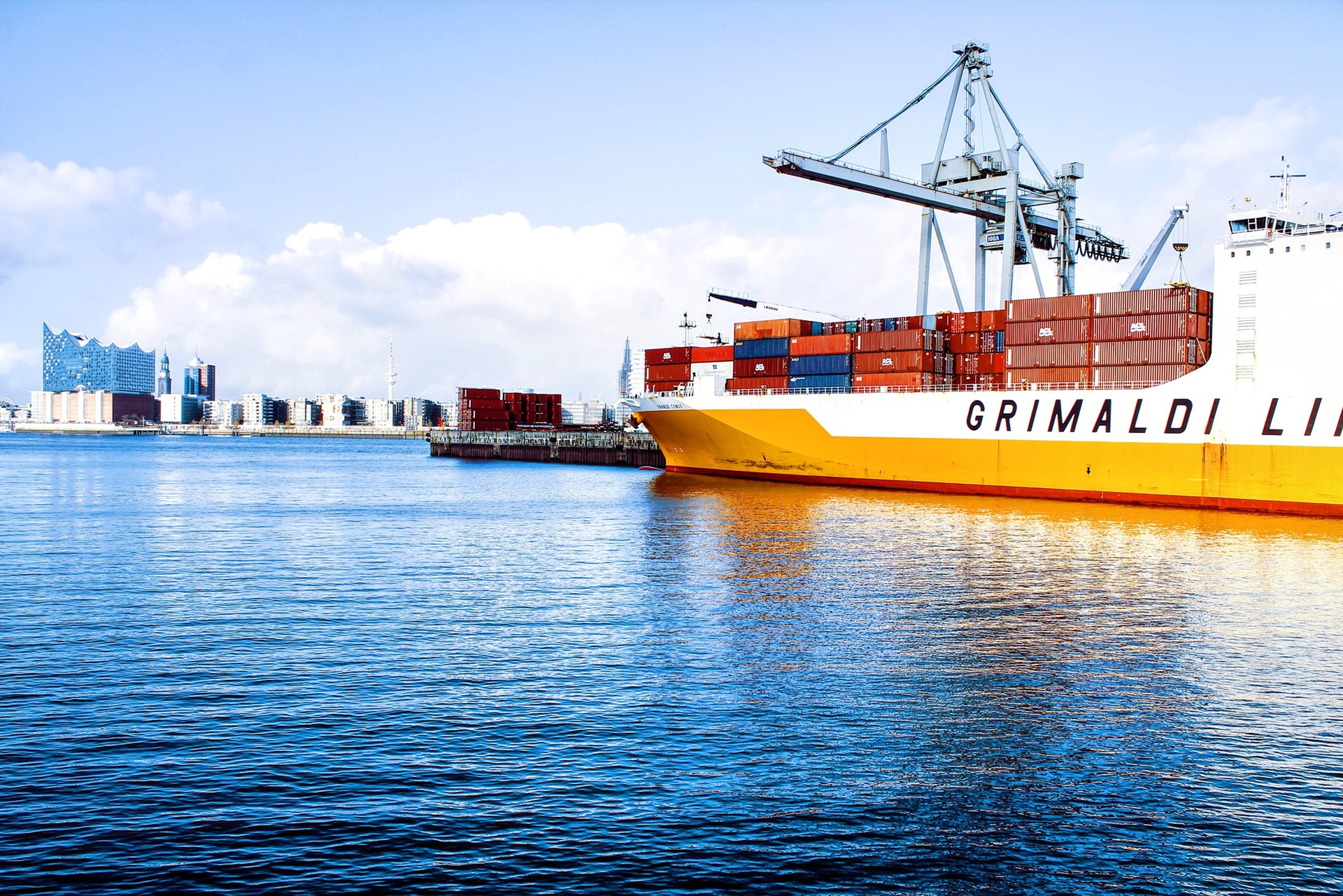 A FRAMEWORK FOR STUDYING THE IMPORTANCE OF OPEN INNOVATION IN THE MARITIME INDUSTRY